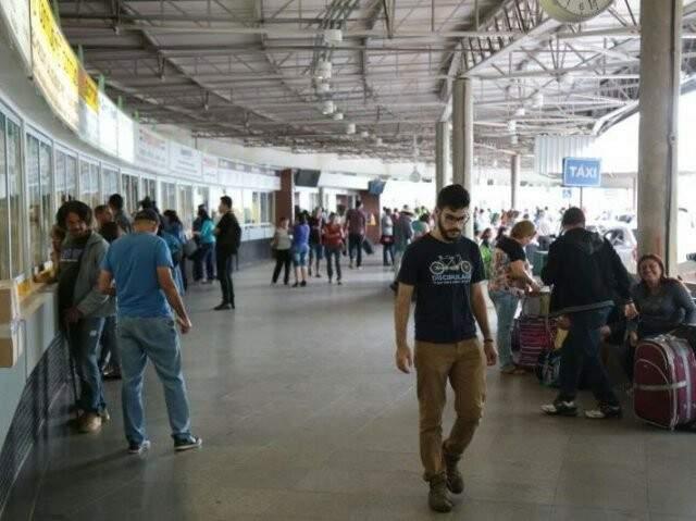 Rodoviária aguarda aumento no fluxo de passageiros durante o feriadão; só entre quinta e sexta-feira são aguardados 5 mil passageiros. (Foto: Arquivo)