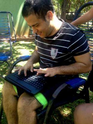 O que mais quer no próximo emprego é mexer mais com notebook.