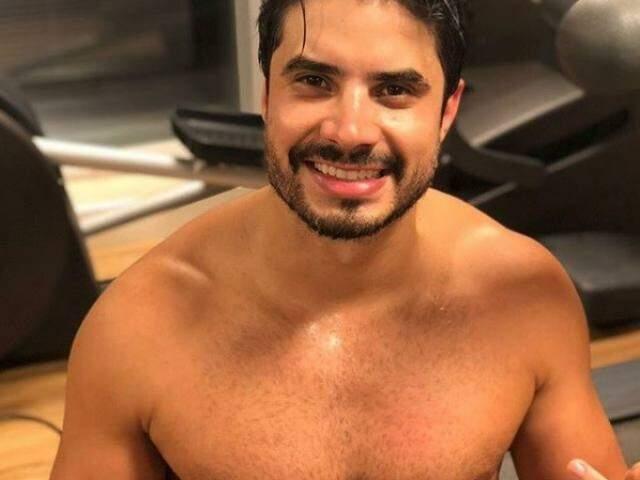 Leandro é o bonitão da Banda Atitude 67. (Foto: reprodução Instagram)