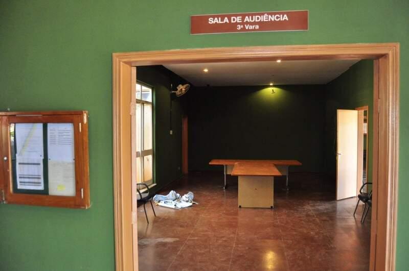 Abandonado há anos, Clube Samambaia foi transformado no principal cenário do filme (Foto: Eliel Oliveira)