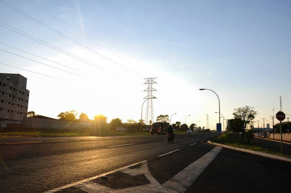 Domingo amanheceu claro, com 21 graus em Campo Grande (Paulo Francis(