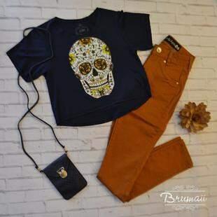 T-shirt 19,90 - Bolsa 19,90 - Calça 149,90 - Foto Divulgação