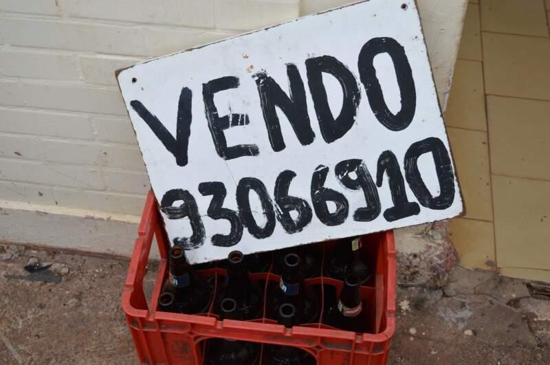 Por mais barato que seja, cascos de cerveja é o que não tem saída. (Foto: Pedro Peralta)