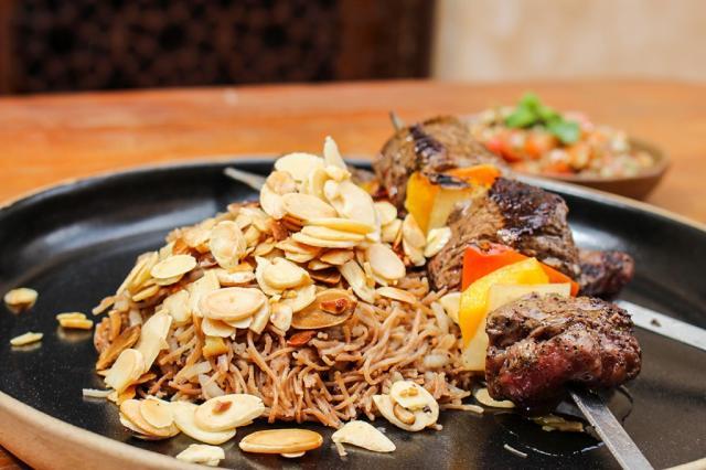 Menu executivo do almoço tem um valor especial de R$ 45, o que inclui entrada, prato principal com acompanhamento e sobremesa. (Foto: Agência Tecla)