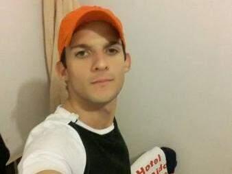 Pedro Guilherme Teodoro, tinha 24 anos e morreu vítima da dengue no dia 24 de fevereiro, no HU. (Foto: Arquivo Pessoal / Reprodução Facebook)