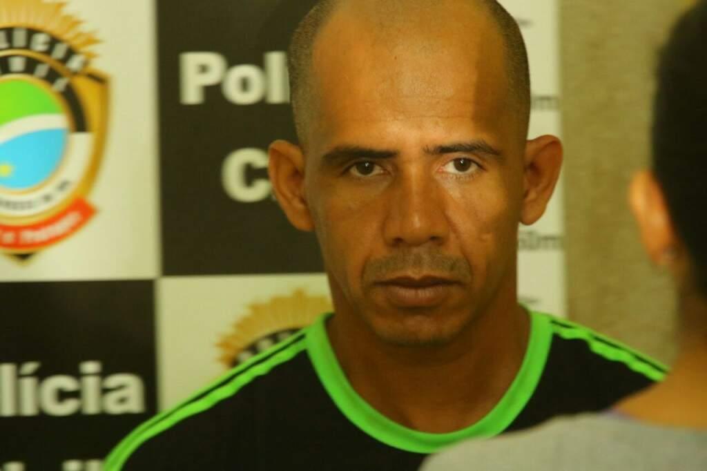 Dos 34 anos de vida, 14 Everson passou preso (Foto: André Bittar)