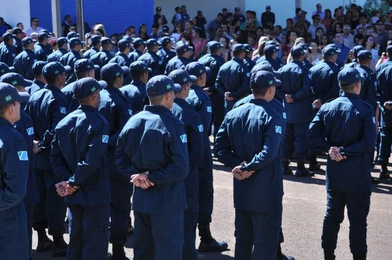 Concurso para policial militar foi lançado em 2013 e vale até 2016. (Foto: Marcelo Calazans)