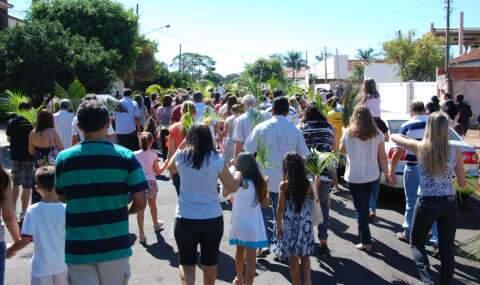 Procissão de Ramos abre celebrações da Semana Santa para os católicos