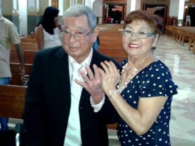 Seu Zé e dona Amélia, na comemoração de 50 anos de casados. (Foto: Reprodução Facebook)