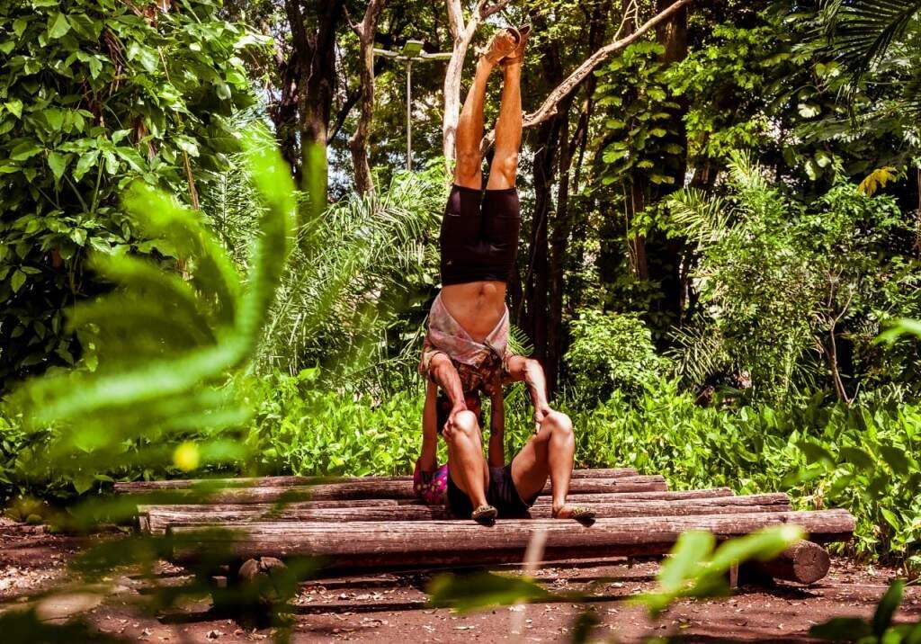 Oficina de acrobacias de circo vai ensinar performances feitas em duo. (Foto: Assessoria/Lucas Soares)
