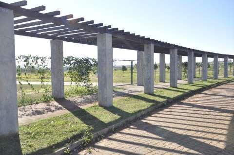 """Prefeitura diz que trabalha para abrir """"em breve"""" parque Assaf Trad"""