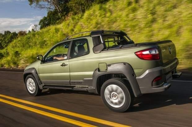Fiat começa a vender a Strada 2016