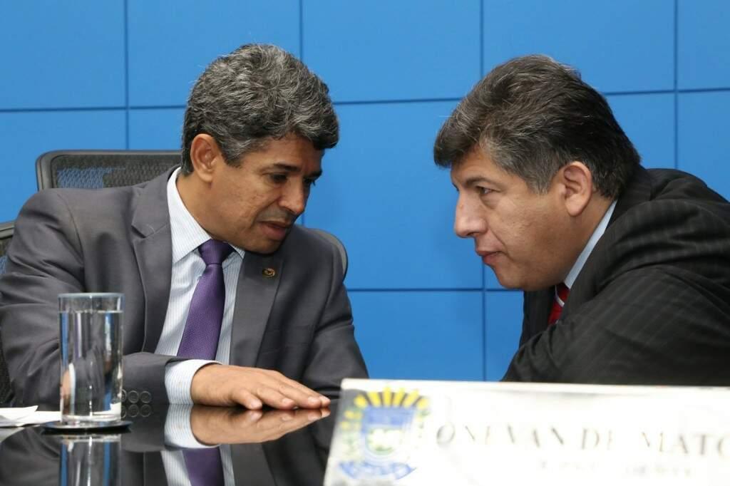 Rinaldo e Lídio avalia que ter maioria já eleita é vantagem para Reinaldo. (Foto: Victor Chileno/ALMS)