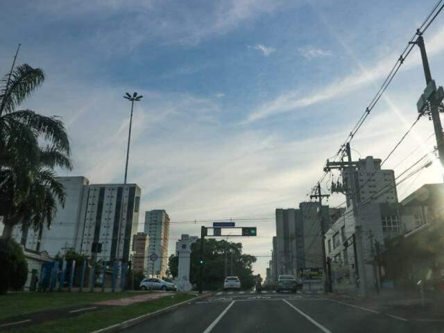 Avenida Afonso Pena, no centro de Campo Grande. (Foto: Marcos Maluf)