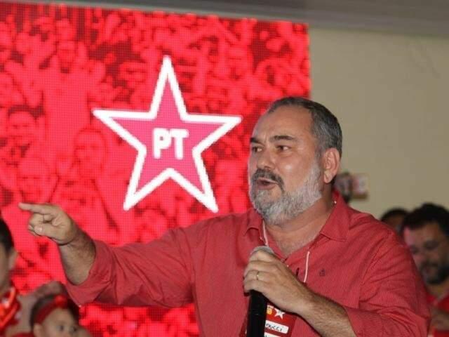 Humberto Amaducci, candidato do PT ao governo, discursa em evento do partido. (Foto: Divulgação/Arquivo).