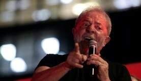 O ex-presidente Lula, condenado a 12 anos e um mês de prisão.