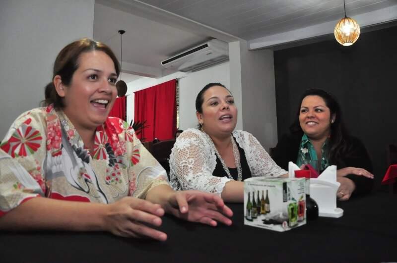 Da esquerda para a direita: Avy, Eci e Ceci (Foto: João Garrigó)