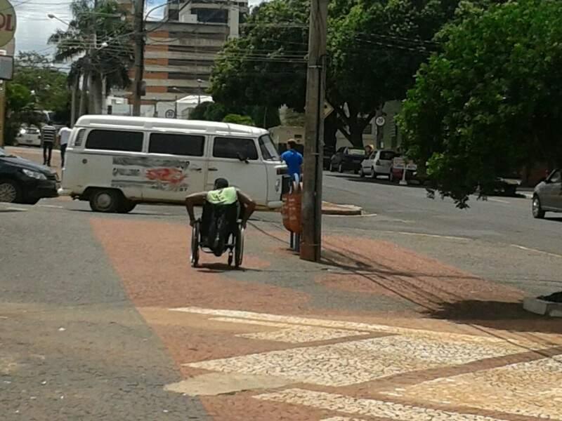 Tal registro é da Rua Aquidauana, no Bairro Amambaí. (Foto: Direto das Ruas)