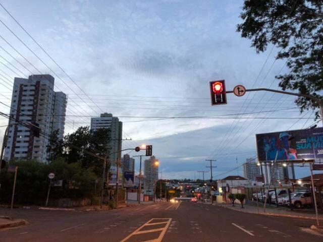 Tempo em Campo Grande nas primeiras horas do dia (Foto: André Bittar)