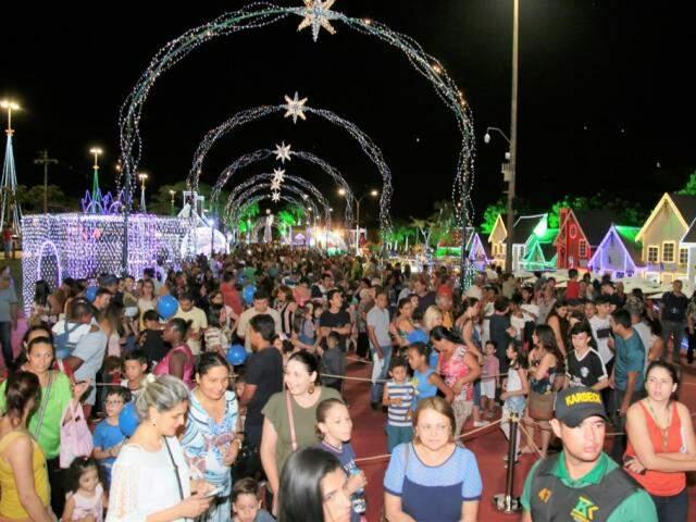 Cidade do Natal abriu no dia 8 de dezembro com diversas atrações para o campo-grandense (Foto: PMCG/Divulgação)