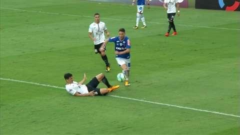 Corinthians e Cruzeiro ficam apenas no empate no estádio Mineirão