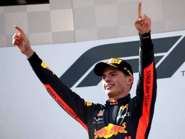 Max Verstappen celebra vitória no GP da Áustria (Fotyo: Georg Hochmuth AFP Photo)