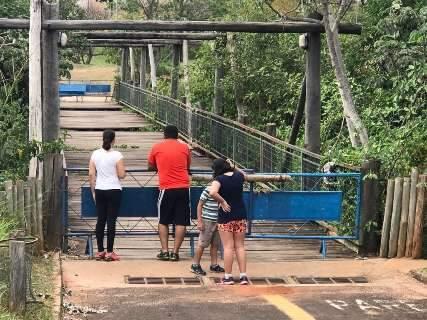Prefeitura abre licitação para recuperar passarela de madeira do Parque Sóter