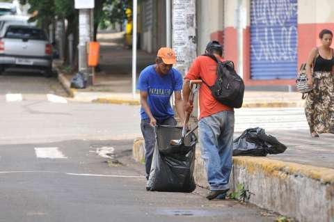 Prefeitura diz que Campo Grande não vai ficar sem varrição nas ruas