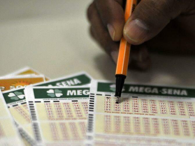 Talões para o preenchimento das apostas (Foto: Marcello Casal Jr./Agência Brasil)