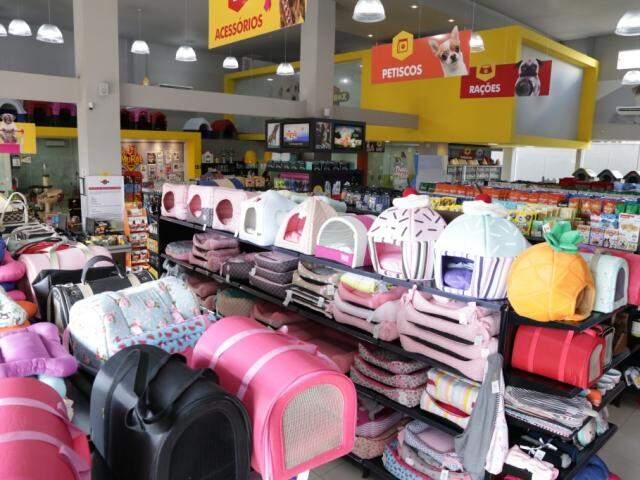 Compras nas pet shops podem passar de mil reais (Foto: Kisie Ainoã)