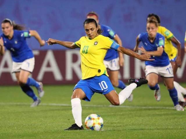 Jogadoras durante partida pela Copa Feminina de Futebol. (Foto: El País)