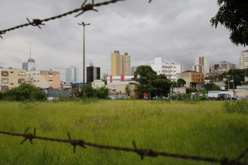 Venda de terrenos deverá ser precedida de consulta se prefeitura tem interesse na compra. (Foto: Gerson Walber/Arquivo)