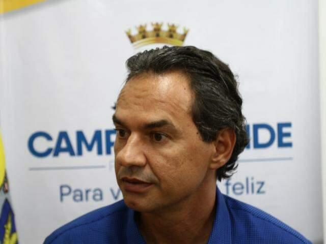Marquinhos detalhou como contribuintes poderão solicitar restituição da taxa do lixo. (Fotos; Saul Schramm)
