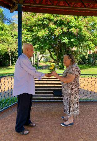 Buquê simboliza amor dos dois. (Foto: Priscila Vatanabe)