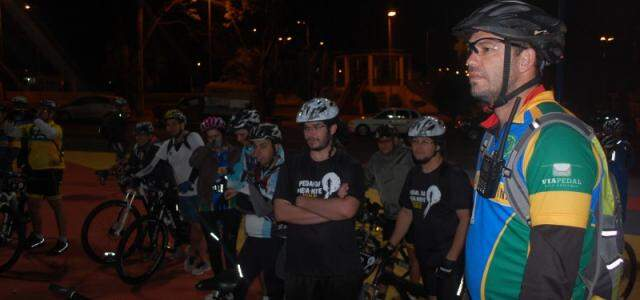 A saída do grupo foi na Praça das Araras.