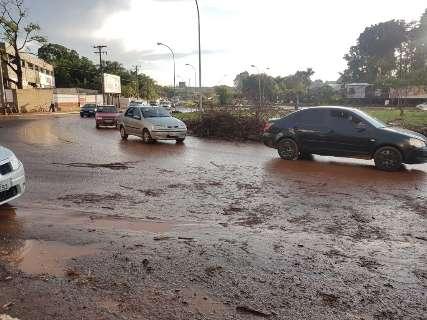 Contra enchentes, prefeitura prevê tirar 2 mil caminhões de terra de córrego