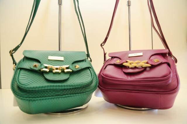 As bolsas tem o design incrível da marca, a partir de  R$ 299,00. (Foto: Marcos Ermínio)