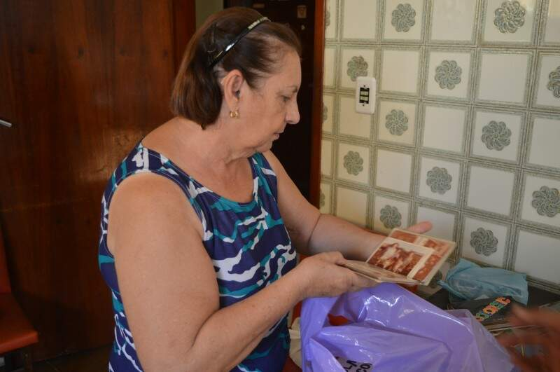 Maria, de 67 anos, lembra das aventuras que passou nos tempos de Ximbica. (Foto: Thailla Torres)