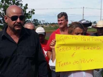 Sem terra protestam em audiência que decide destino da usina de Bumlai
