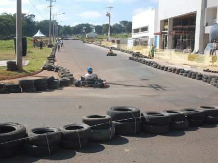 Circuito de kart atrai público da Capital para os altos da Afonso Pena