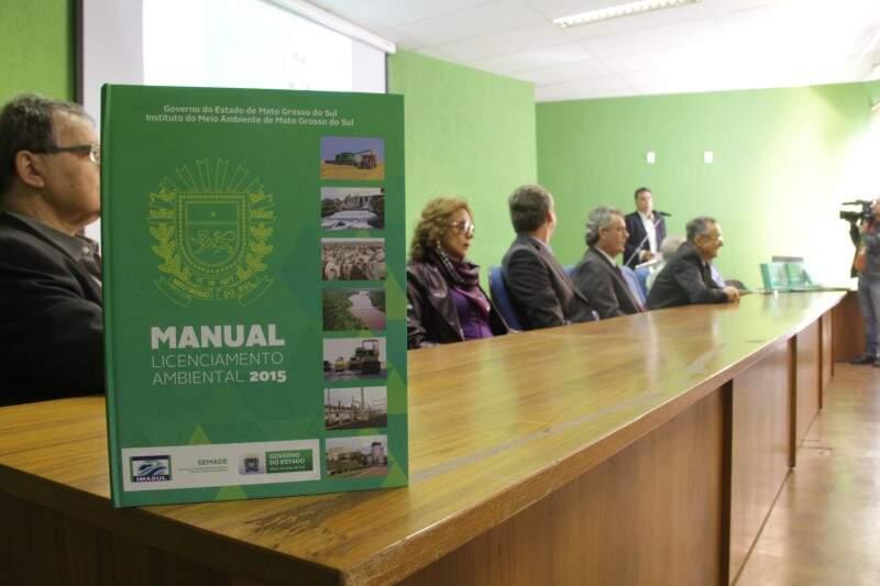 Lançado hoje, novo manual valerá a partir de 5 de junho (Foto: Marcos Ermínio)