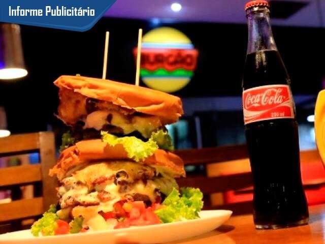 O Burgão é aquele lanche que acaba mesmo com a fome. (Foto: Alcides Neto)