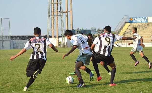 Campeonato estadual sub-19 conta com dez equipes (Foto: Anderson Gallo/Diário Corumbaense)