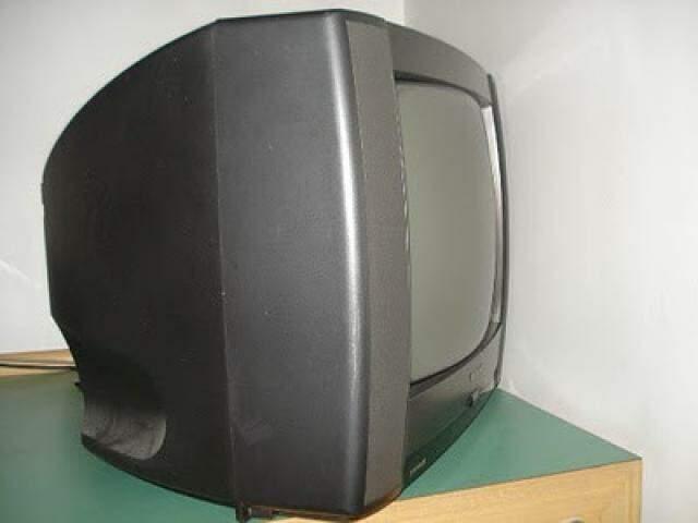 Único quesito de avaliação do aparelho é de que o som e imagem da TV de tubo estejam funcionando. Não há necessidade da entrega do controle remoto. (Foto: Reprodução/Internet)