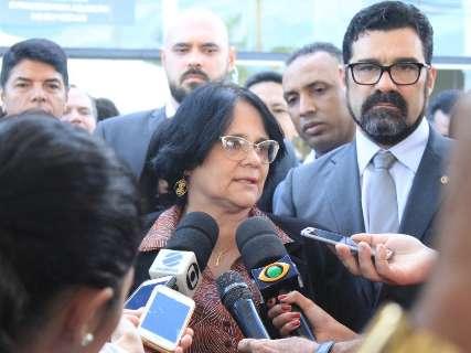 Na Capital, ministra diz que queda na aprovação de Bolsonaro não é real