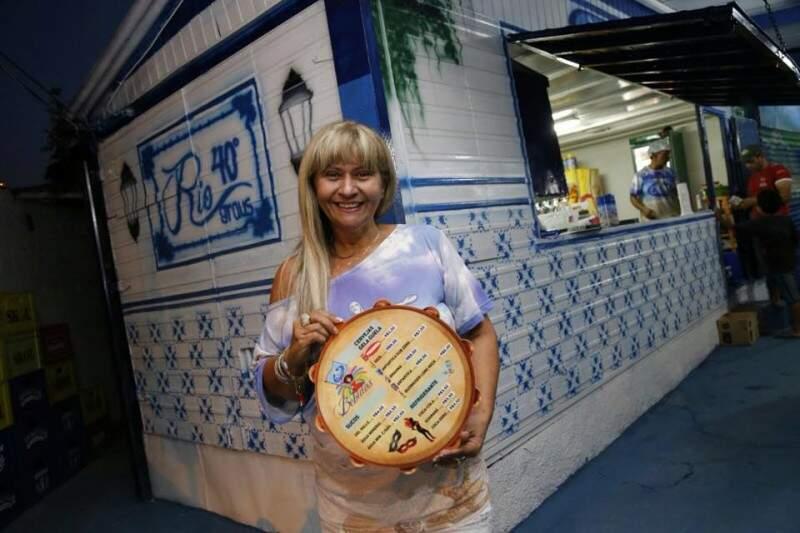 Rô Carioca, dona do bar quis misturar Rio e Campo Grande. (Foto: Gerson Walber)