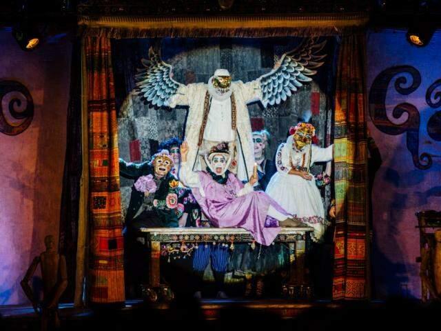 """A peça """"Os gigantes da montanha"""" é uma fábula sobre uma companhia teatral decadente (Foto: Elisa Mendes)"""