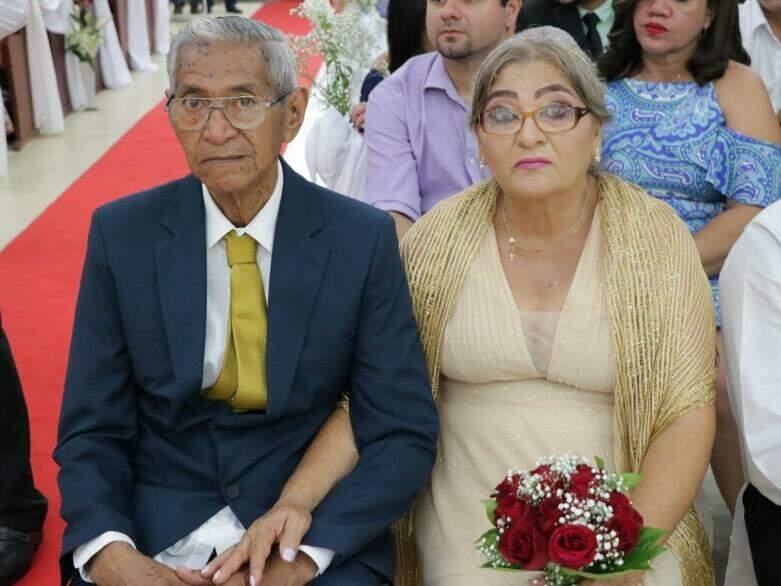 Ninguém acreditou que Celina e Américo fossem ficar juntos, mas o amor dos dois continua o mesmo depois de 42 anos (Foto: Janiely Silva)