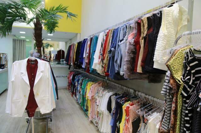 Loja tem dezenas de peças exclusivas, fabricadas pela Morena Plus.