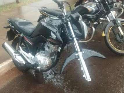 Motos estacionadas em frente a shopping são alvos de furtos de peças